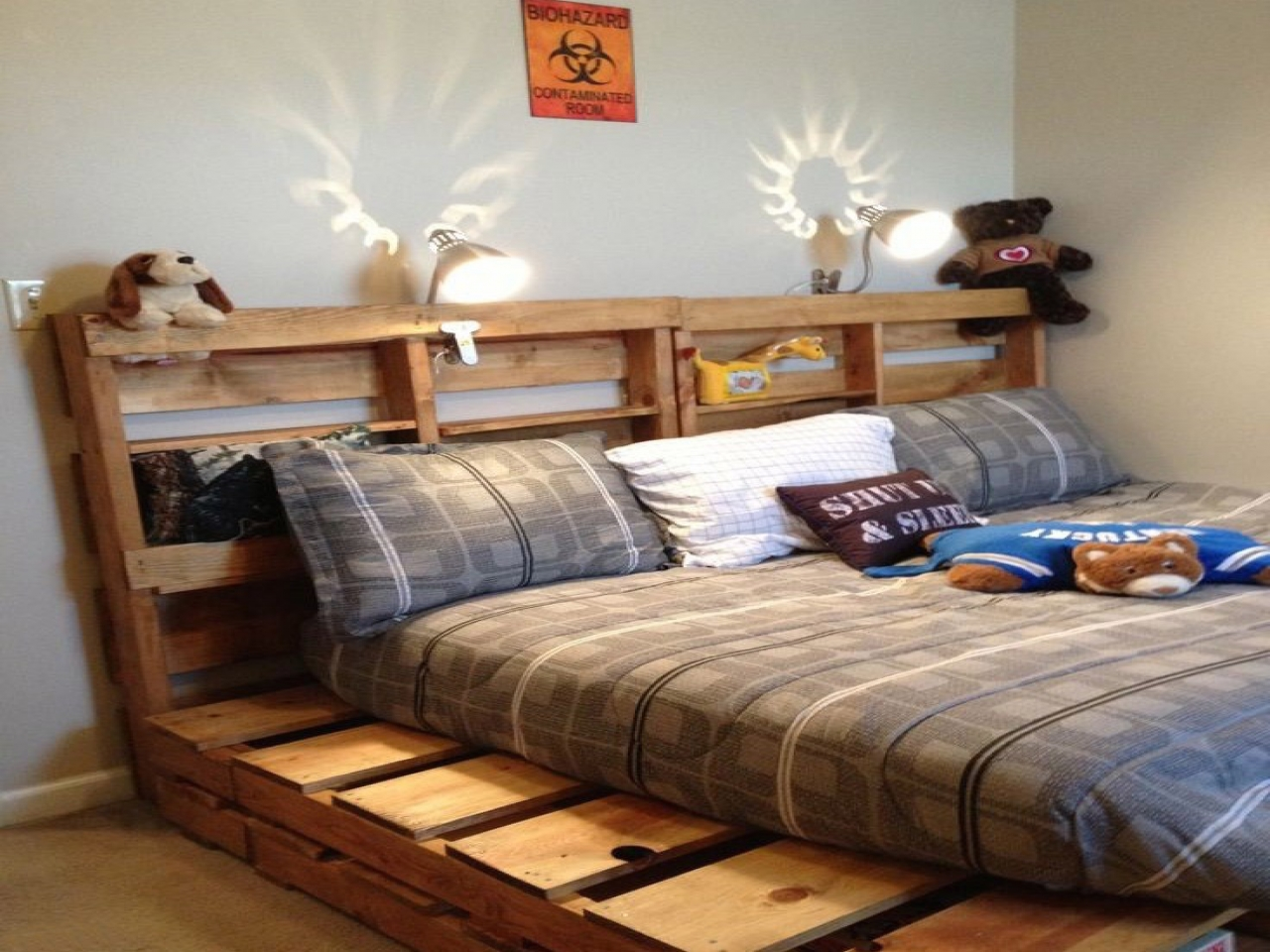 Pallet Bed Frame DIY