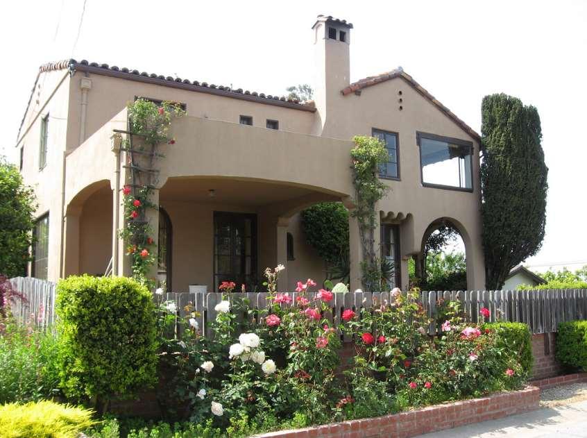 Amazing Spanish Style Homes : Wonderful Spanish Style Homes With Balcony Decoration