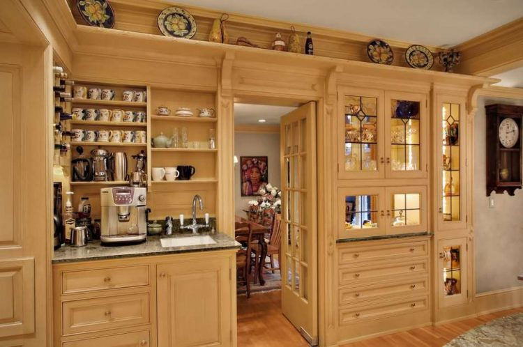 Traditional Kitchen Coffee Bar