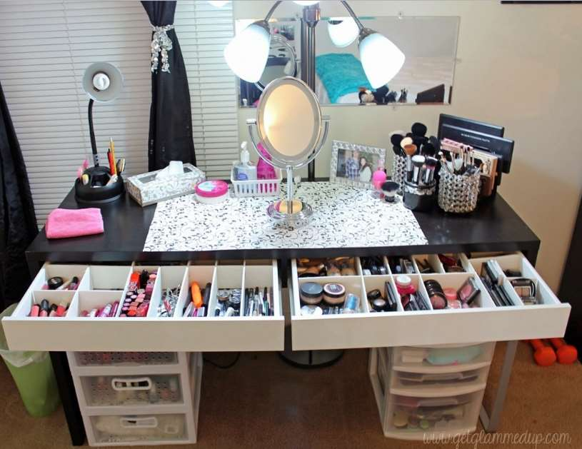 amazing makeup room