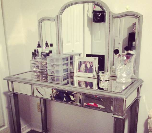 wedding makeup room