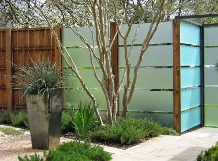 wooden decorative garden fencing