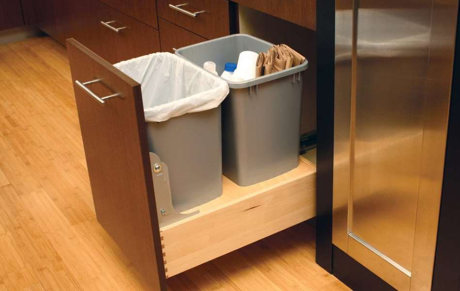 Diy Pull Out Trash Can In A Kitchen Cabinet Amazing Idea