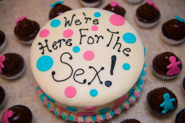Simple Quirky Cakes gender reveal party ideas