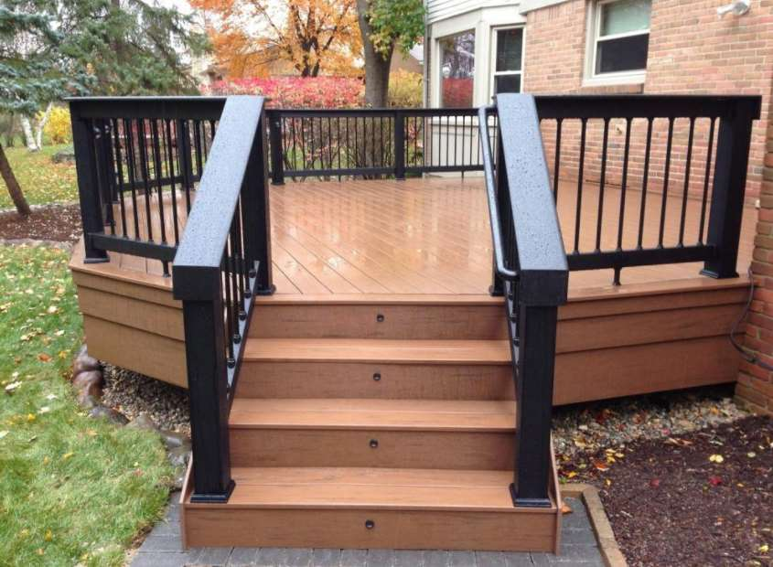 Small Backyard Decks Ideas