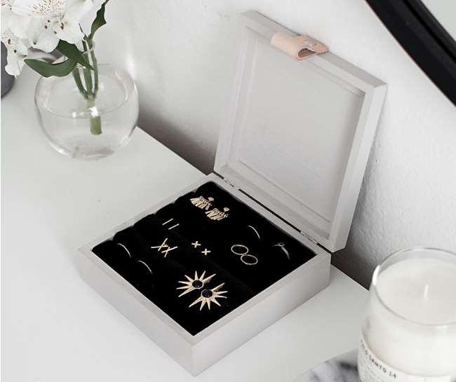 Simple Jewelry Box
