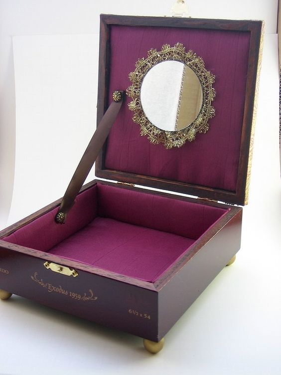 25 Awesome Diy Jewelry Box Plans For Men S And Girls