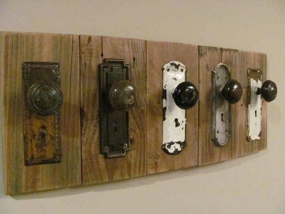 A DIY Hat Rack from Woods, With Old Doorknobs for Hangers