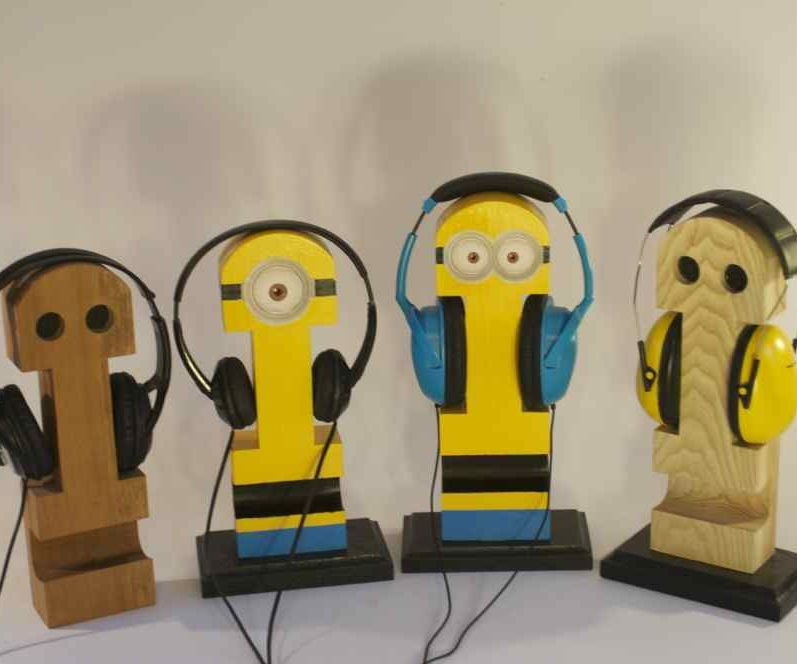 A DIY Headphone Stand in The Shape of Minions