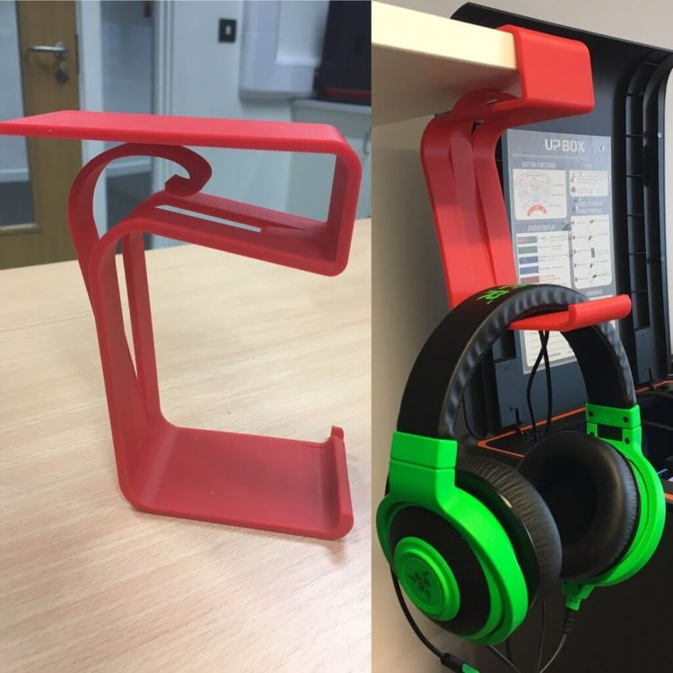 A DIY Red Headphone Stand