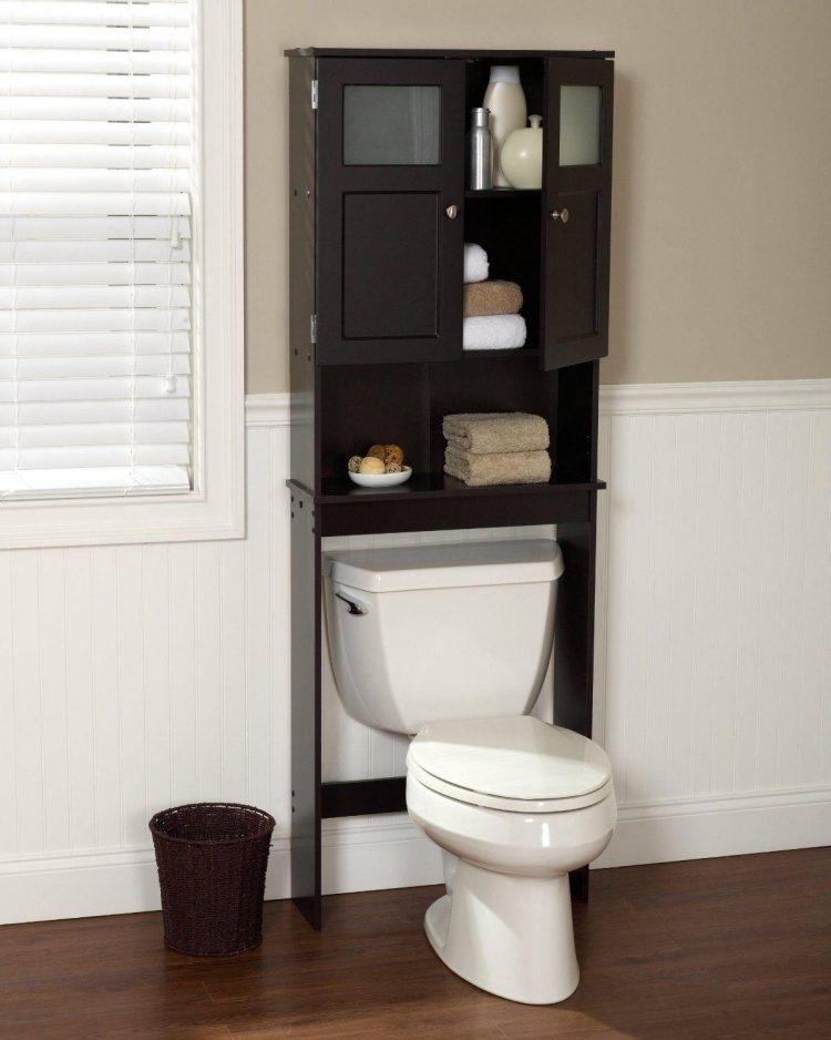 The Standing Open Shelves to Make a Calm Decorative Linen
