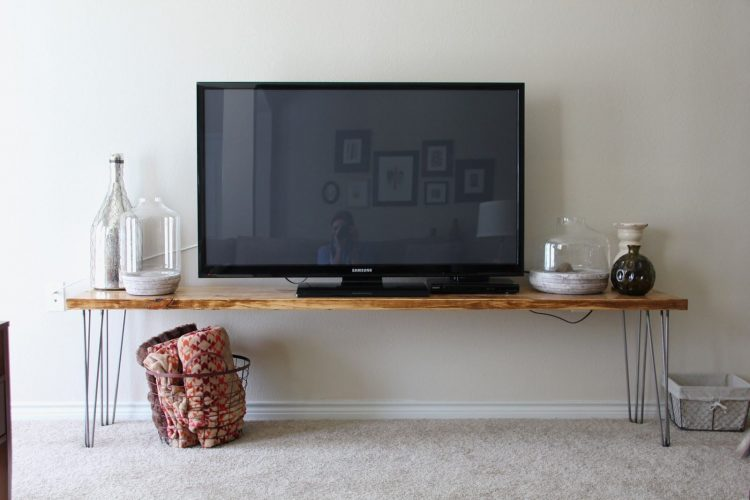 Stylish DIY TV Stand with Hairpin Legs
