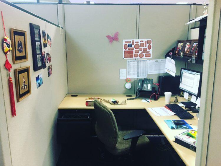 L Shape Office Decoration Ideas