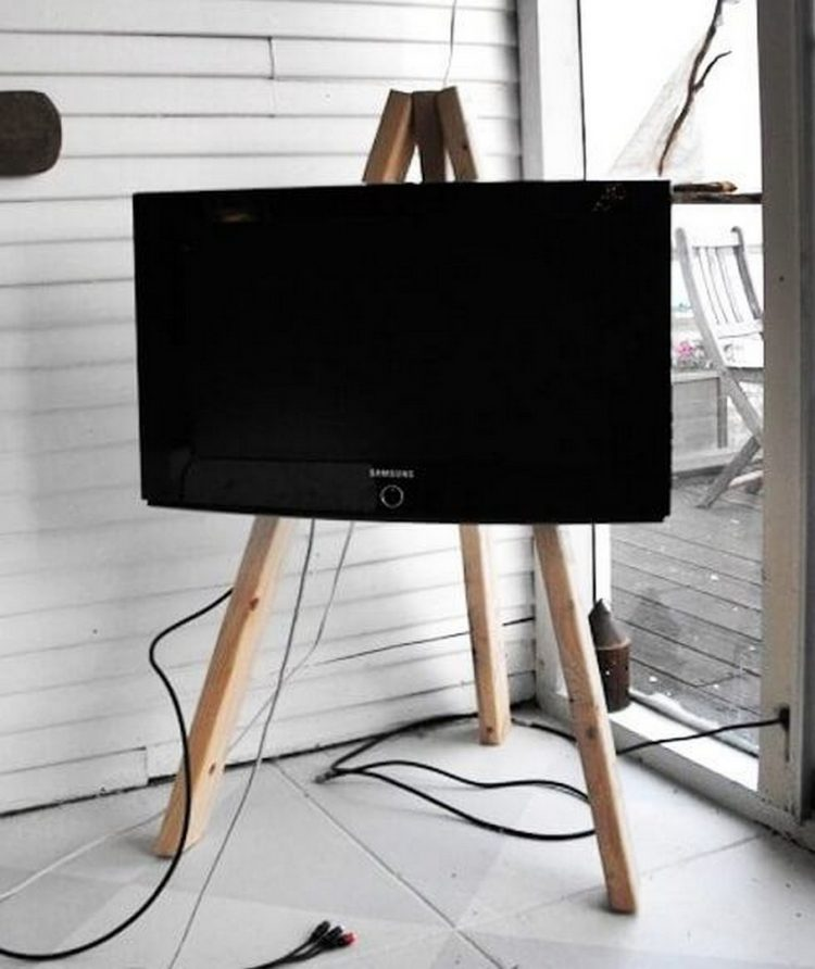DIY TV Stand Display Easel