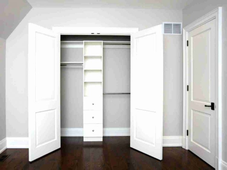 Minimalist Closet Door Design